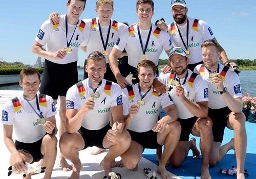 2017世界選手権M8+表彰式 World Rowingより