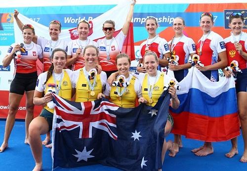 2017世界選手権W4-表彰式 World Rowingより