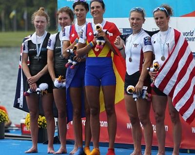 2017世界選手権LW2X表彰式 World Rowingより