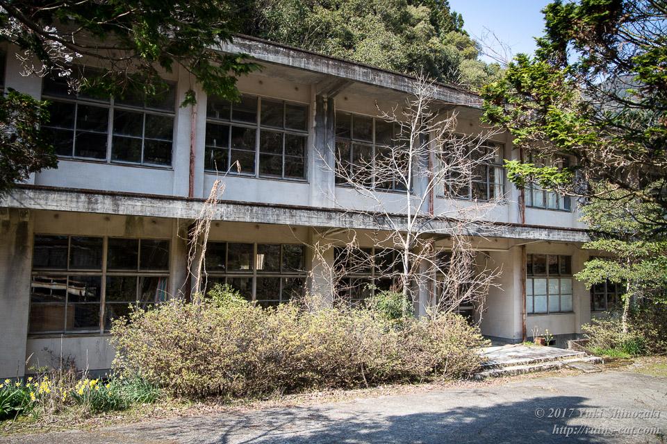板谷小学校校舎