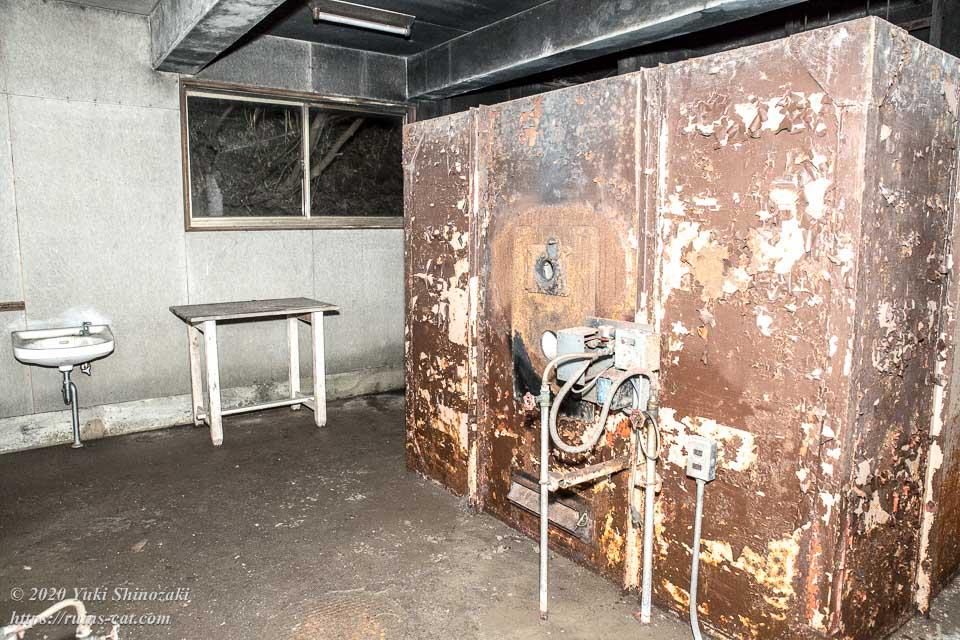 火葬炉の部屋(明るさUP)