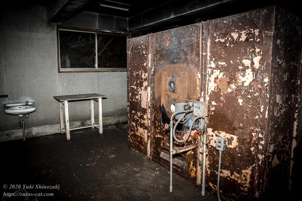 火葬炉の部屋