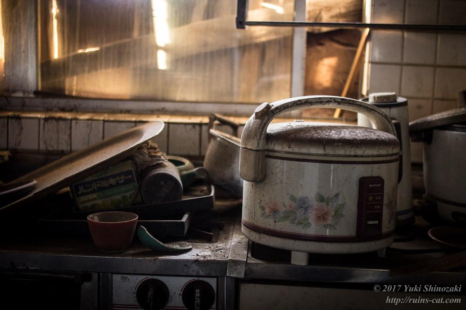 終わらない葬式の家(権東の家)_キッチン
