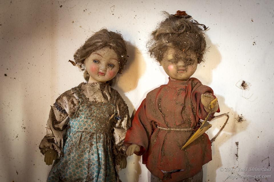 2組の人形