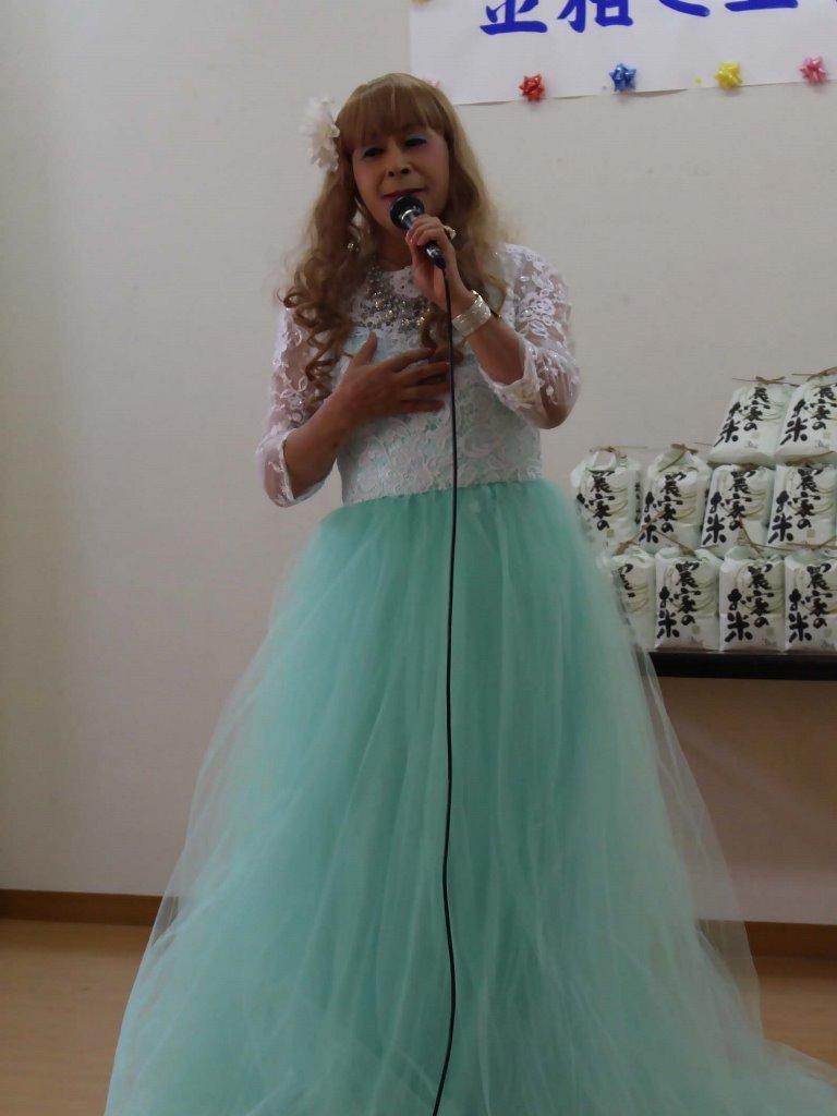薄緑ドレス舞台(2)