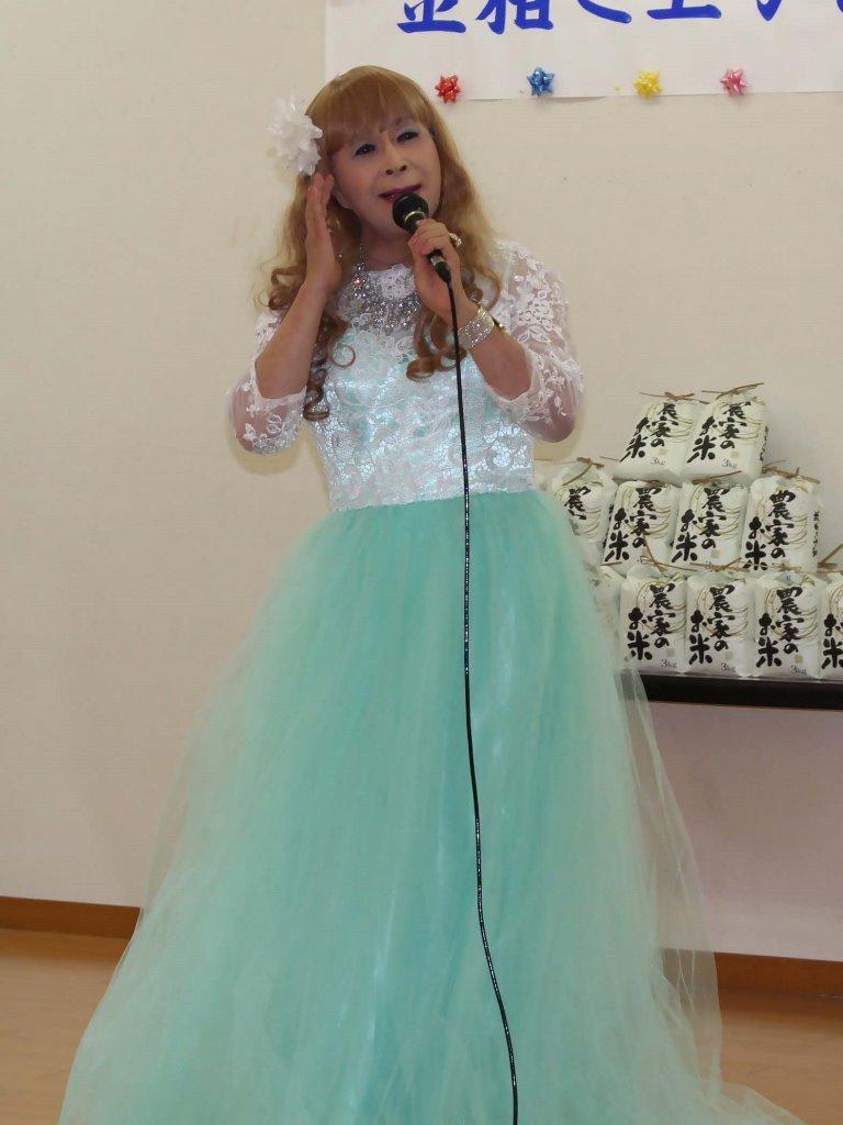 薄緑ドレス舞台(5)