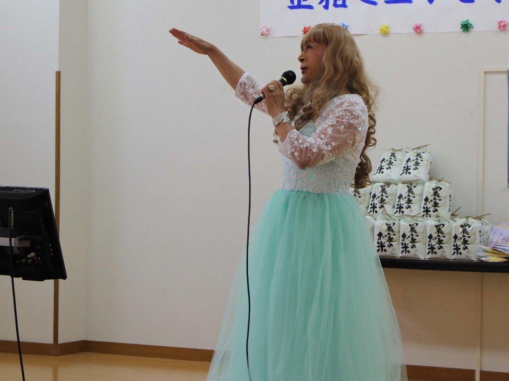 薄緑ドレス舞台(13)