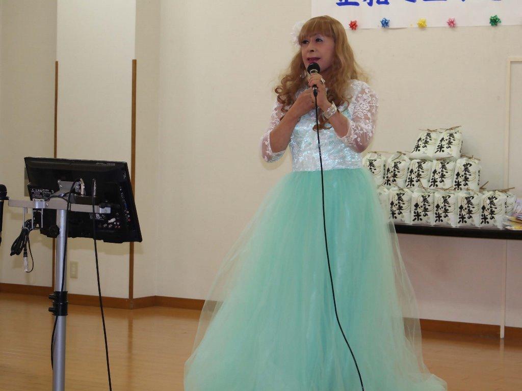 薄緑ドレス舞台(15)