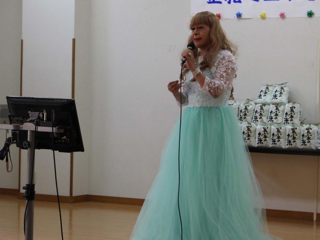薄緑ドレス舞台(16)