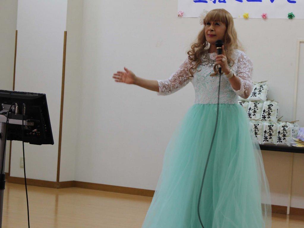 薄緑ドレス舞台(17)