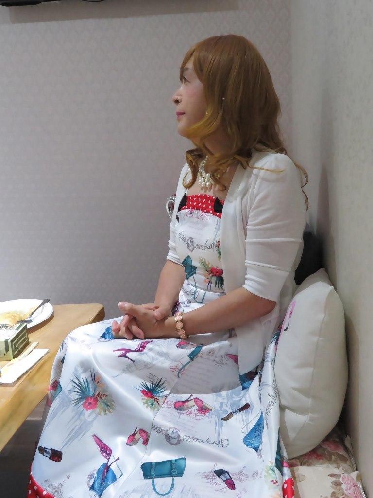 絵柄フレアーワンピカラオケ(8)