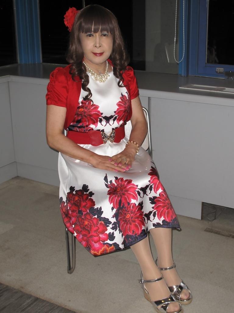 裾花柄のショートドレスロビー(5)