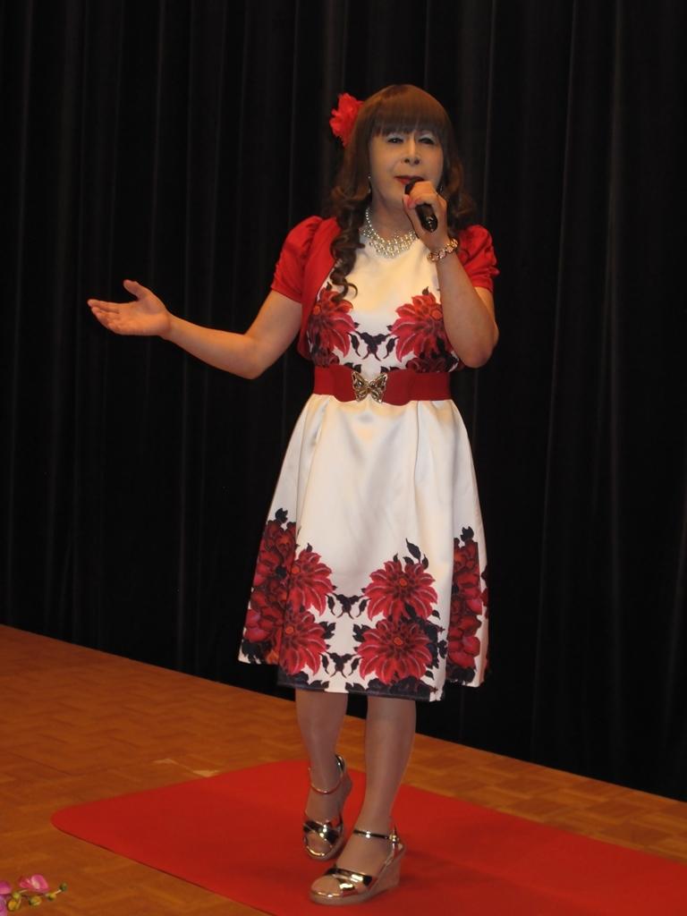 裾花柄のショートドレス舞台(6)