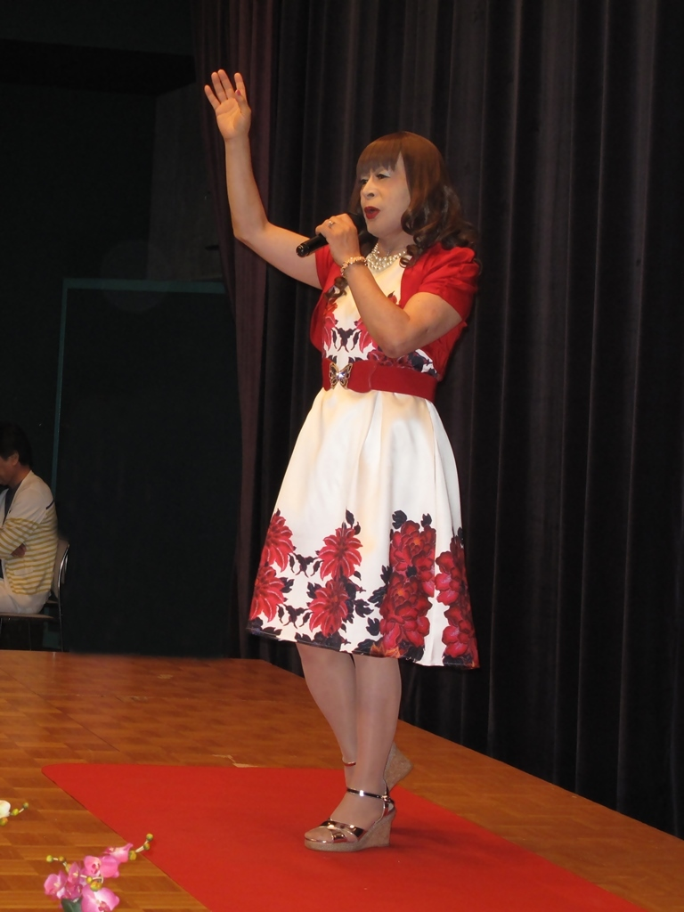 裾花柄のショートドレス舞台(7)