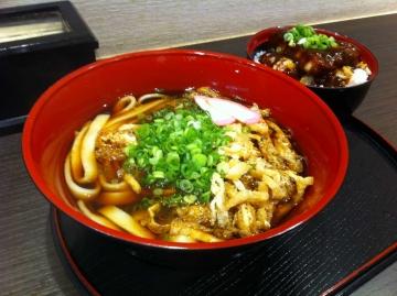 きしめん煮かけと味噌カツ丼