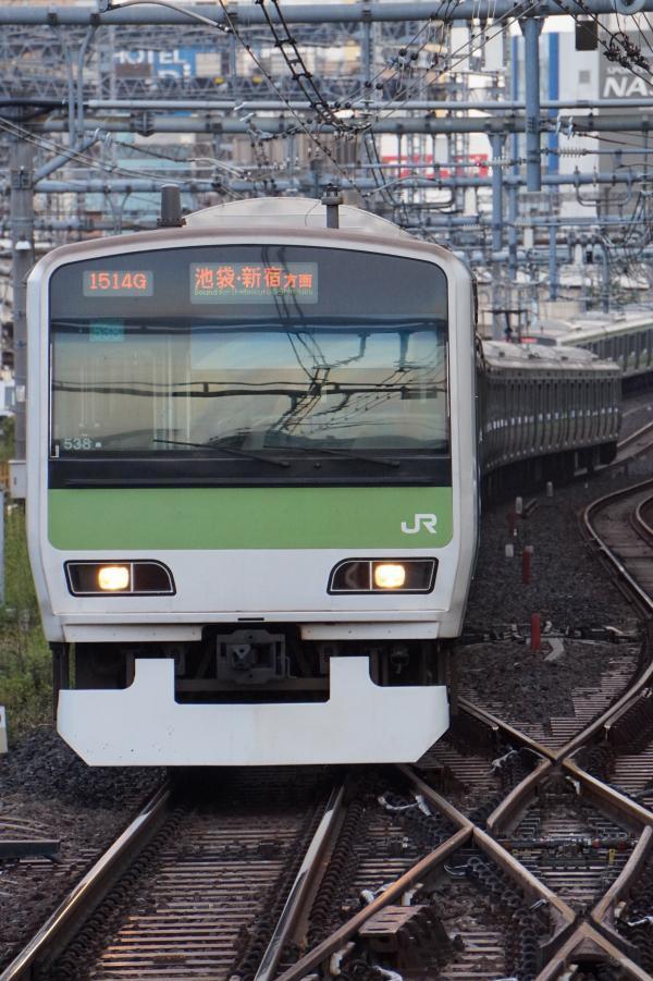 2017-10-08 山手線E231系トウ538編成 池袋・新宿方面行き