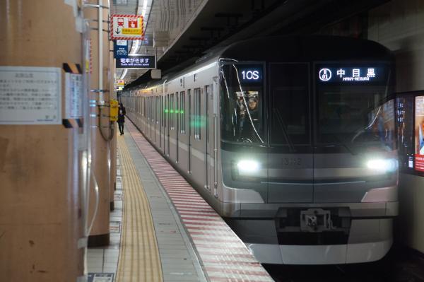 2017-11-19 メトロ13112F 中目黒行き