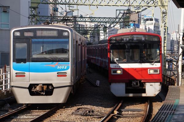2017-11-25 京成3052F 京急1573F