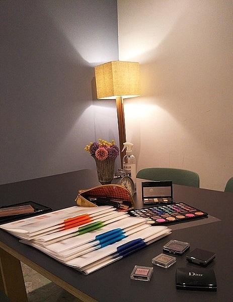 bright_room.jpg
