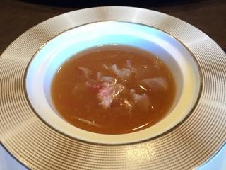 気仙沼産フカヒレとタラバガニの中華茶碗蒸し風