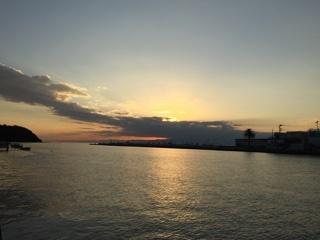 江ノ島へ向かう道