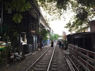 線路での生活模様
