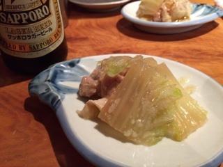 お通しの白菜と鶏の煮物