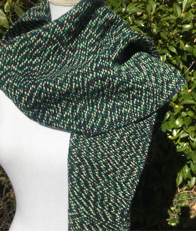 アルパカ100緑色とクリーム色と濃紺ストール