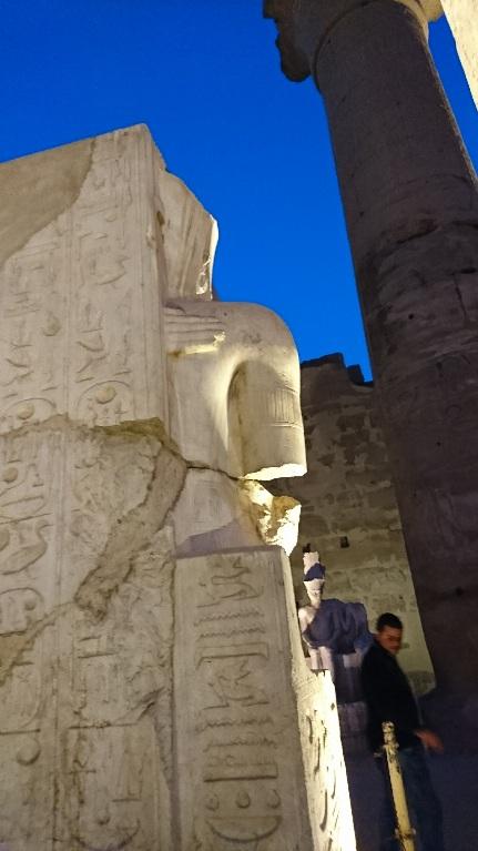 ルクソール神殿ツタンカーメン2