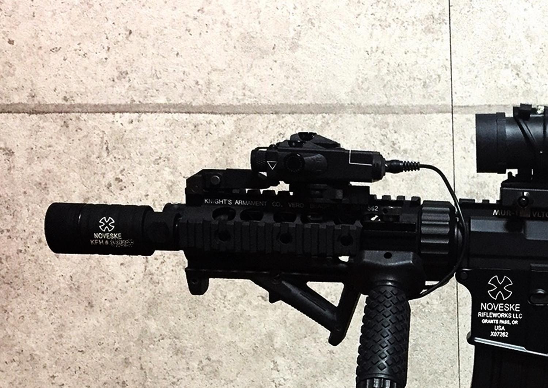 10 NOVESKE KFH MADBULL 社製 Noveske公認 マットブル フラッシュハイダー 14mm 逆ネジ 高品質 レプリカ