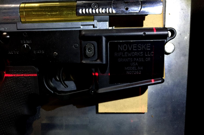 4次世代 M4 NOVESKE LayLax First Factory MG メタル ロアフレーム カスタム 刻印