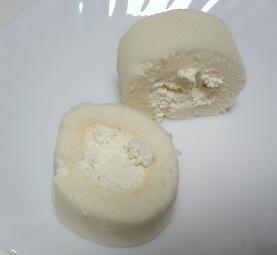 まっ白なチーズロール03