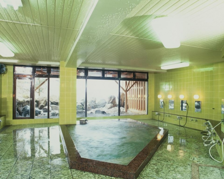 志賀高原日帰り温泉の大浴場・男湯