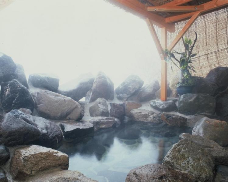 志賀高原日帰り温泉の露天風呂・女湯
