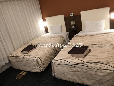 1_006ホテルベッド