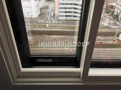 1_009ホテル窓1