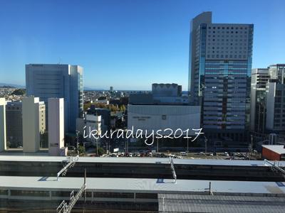02_009窓からの景色朝