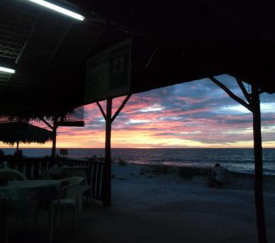 マダガスカル石海岸の夕暮れ