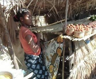 マダガスカル露店売店の女性