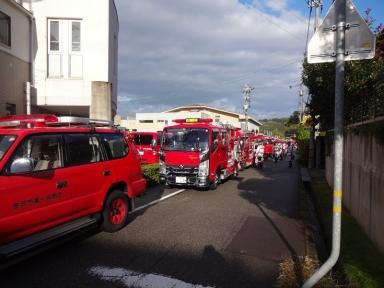 田上消防団ポンプ車も整列