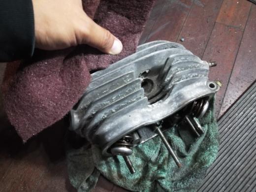 エンジン腰上清掃 (10)