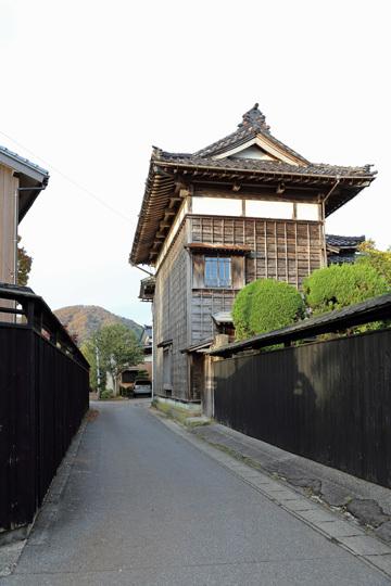 寺町の黒塀