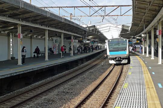 根岸線新杉田駅