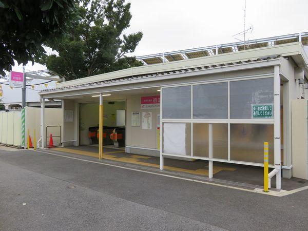 2014年10月5日より使用開始となった初富駅仮駅舎