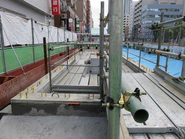 新設されるA3b出入口のコンクリート基礎。