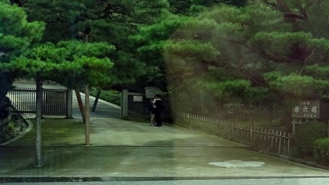 15兼六園真弓坂口(車窓)