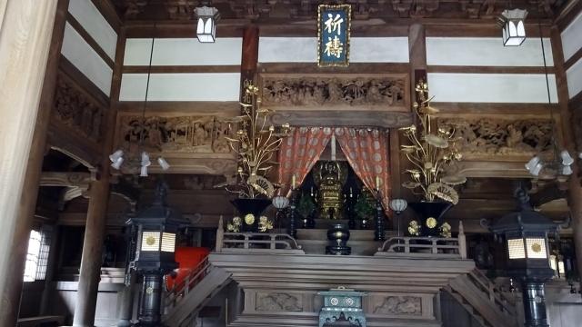 20仏殿の須弥壇(しゅみだん)