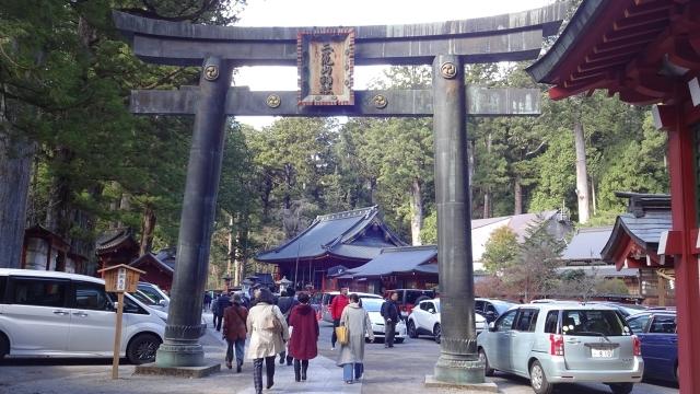 3日光二荒山神社・銅鳥居【重要文化財】