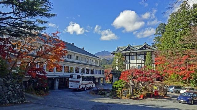 10金谷ホテル本館と別館