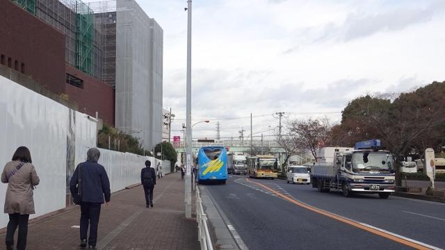10茅ヶ崎文化会館前のバスで